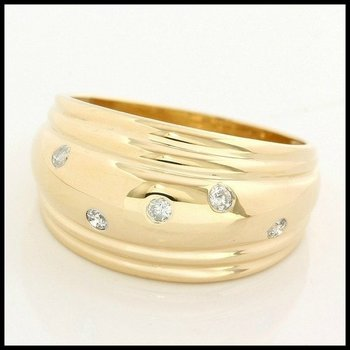 Solid 10k Yellow Gold, 0.10ctw Genuine Diamond Ring size 6 3/4