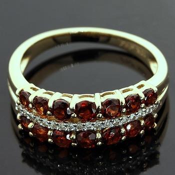 Solid 10k Yellow Gold, 0.12ctw Genuine Diamonds & 1.43ctw Genuine Garnet  Ring sz 7