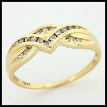 Solid 10k Yellow Gold, 0.16ctw Genuine Diamonds Ring size 7 1/4