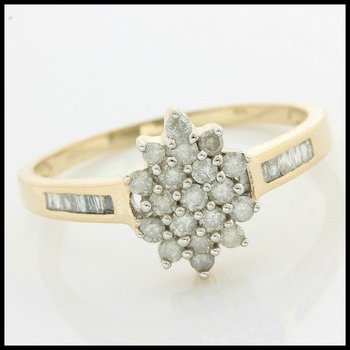 Solid 10k Yellow Gold, 0.25ctw Genuine Diamond Ring size 8