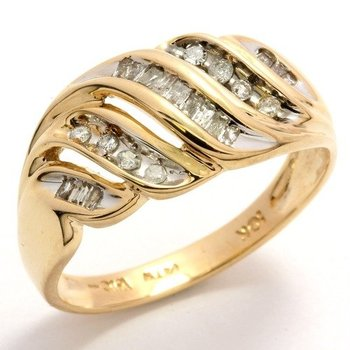 Solid 10k Yellow Gold, 0.25ctw Genuine Diamonds Ring size 6 3/4