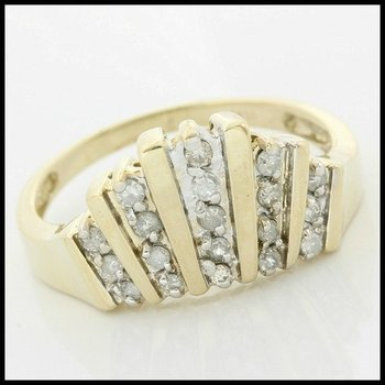 Solid 10k Yellow Gold, 0.25ctw Genuine Diamonds Ring size 7.5