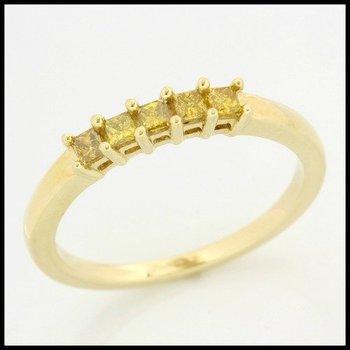 Solid 10k Yellow Gold, 0.25ctw Genuine Yellow I1 Diamonds Ring size 7