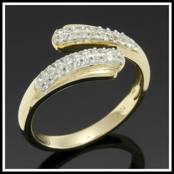Solid 10k Yellow Gold, 0.55ctw White Sapphire  Ring sz 7