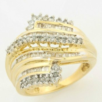 Solid 10k Yellow Gold, 1.00ctw Genuine Diamonds Ring size 7.25