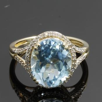 Solid 10k Yellow Gold, 4.05ctw Genuine Dimonds & Genuine Blue Topaz Ring sz 7