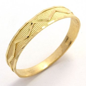 Solid 10k Yellow Gold, Diamond Cut Ring size 7