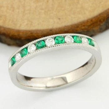 Solid 14k White Gold, 0.29ctw of Genuine Diamonds & Emerald Ring size 6.5