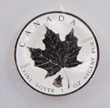1 oz .9999 Fine Silver 2016 $5 Canada Silver Maple Leaf w/Wolf Privy Mark - High Grade