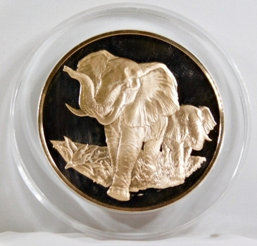 1971-72 East African Wild Life Society: 2+ Troy oz Pure Bronze; ELEPHANTS - In Protective Capsule, Franklin Mint, 51mm Proof