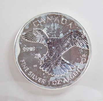 2014 Canada $5 Red Tailed Hawk*One Troy Ounce of .9999 Fine Silver