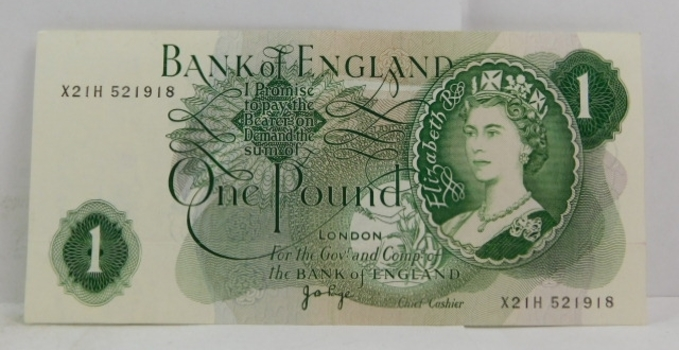 1970 Great Britain Bank of England One Pound Bank Note - High Grade Crisp Paper