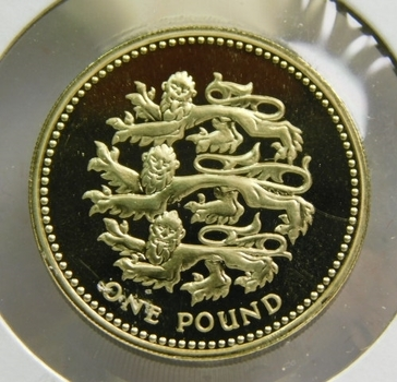 1997 Great Britain 1 Pound - Proof Condition w/Deep Mirrors and Cameos - Low Mintage of Only 100,000!!!