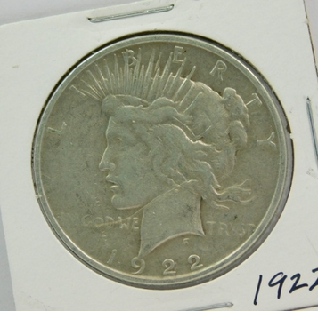 1922 US Silver PEACE DOLLAR-Fully Struck-Nice detail & Lustrous