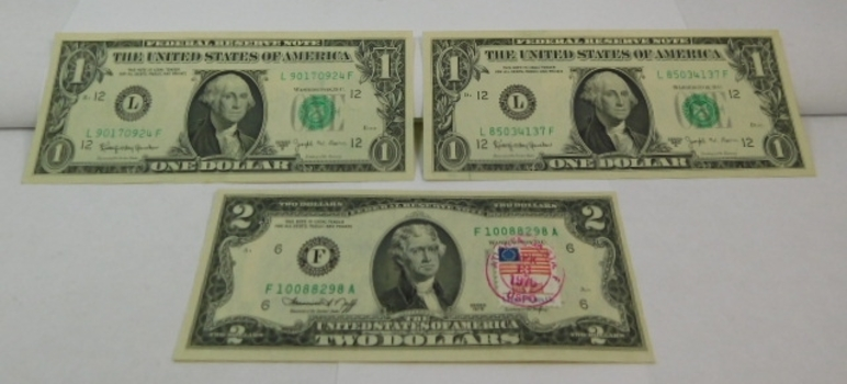 (2) One Dollar 1963 Federal Reserve Notes Choice Uncirculated & (1) 1976 Two Dollar Federal Reserve Note First Day Cover (Atlanta Georgia) Crisp Unc (All In Hard Currency Holder)