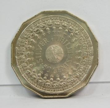 1977 Silver Jubilee Australian Uncirculated Coin-Beautiful Design