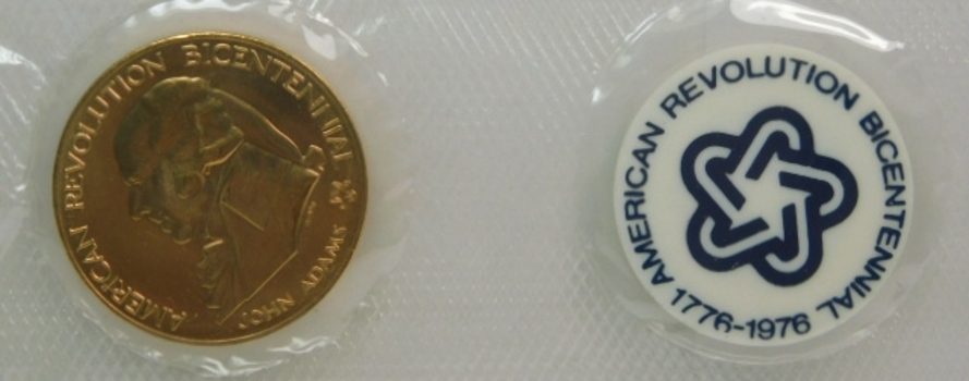 1974 Bicentennial First Day Cover With Bicentennial Commemorative Medal Orig Govt Packaging