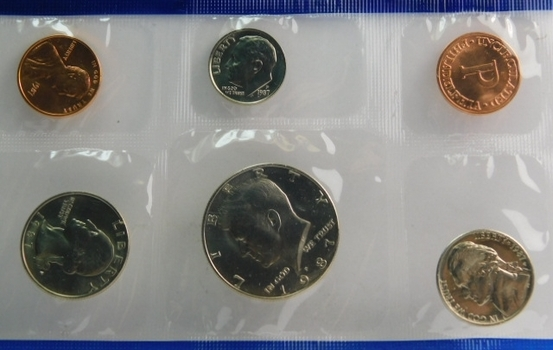 """1987 US Mint Set With """"P"""" & """"D"""" Mint Marks Original Government Packaging"""