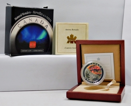 2004 Canada $20 Silver Coin - Colorized Edition of the Aurora Borealis - LOW Mintage with only 35,000 Coins Worldwide - In Beautiful Wooden Display Case - This is an Unusual and Beautiful Piece