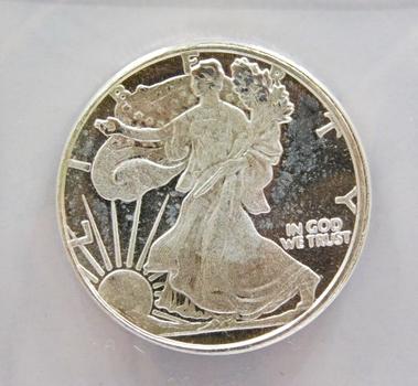 1/2 oz Silver Round with the Design of a Silver Eagle - .999 Fine Silver