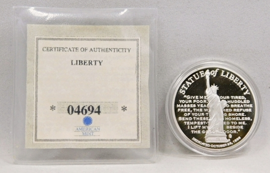 24K Layered Gold 2010 Proof Commemorative Medallion - 40 mm in Diameter - Statue of Liberty