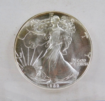 KEY DATE 1986 $1 American Silver Eagle - First Year of Issue - 1 oz .999 Fine Silver