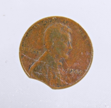 MINT ERROR - 1944 Lincoln Wheat Cent - Clipped Planchant