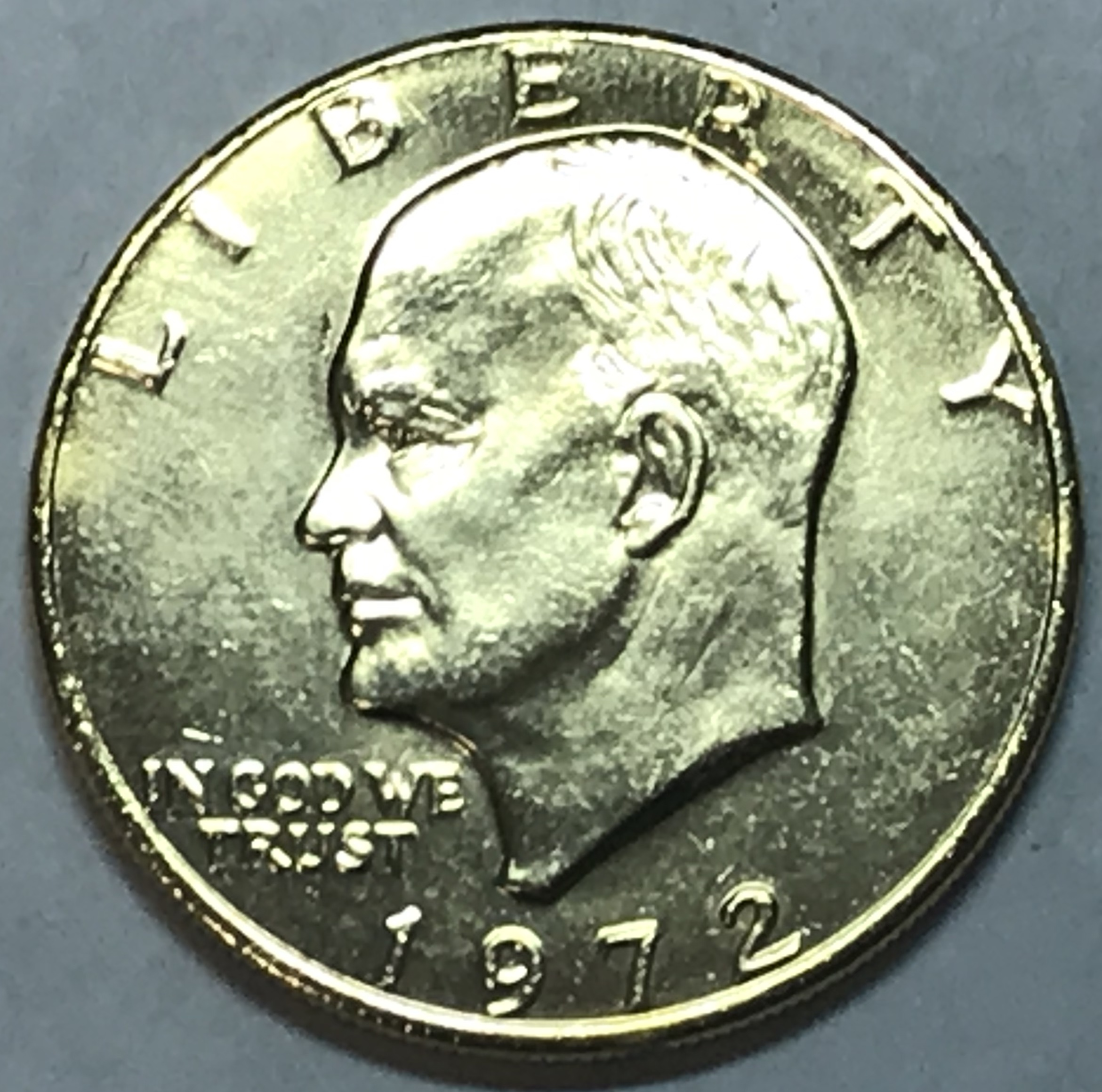 1972 Eisenhower  Dollar Coin  With Apollo Insignia Excellent   Condition
