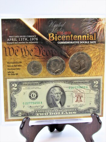 1976 Bicentennial Commemorative Double Date Coin Set With COA
