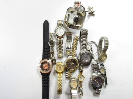 Bulk Lot of Random Watches For Parts (U)