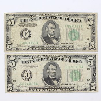 Lot of 2 Series of 1934 C $5 Federal Reserve Notes (22)