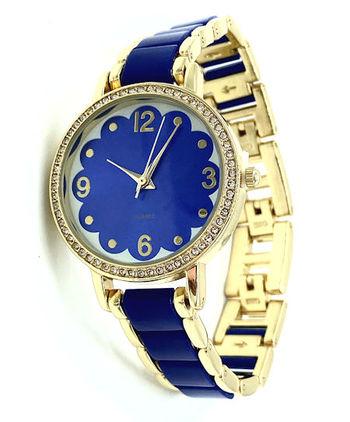 Avon Women's Signature Collection Round Ladylike Blue Bracelet Wristwatch - F4014381