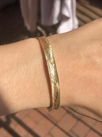 "14k Yellow Gold Etched Bangle 6.75"" Bracelet 8.3 grams"